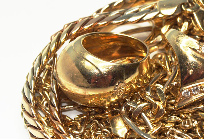 Get cash for your gold jewellery. In any condition, even un-hallmarked.