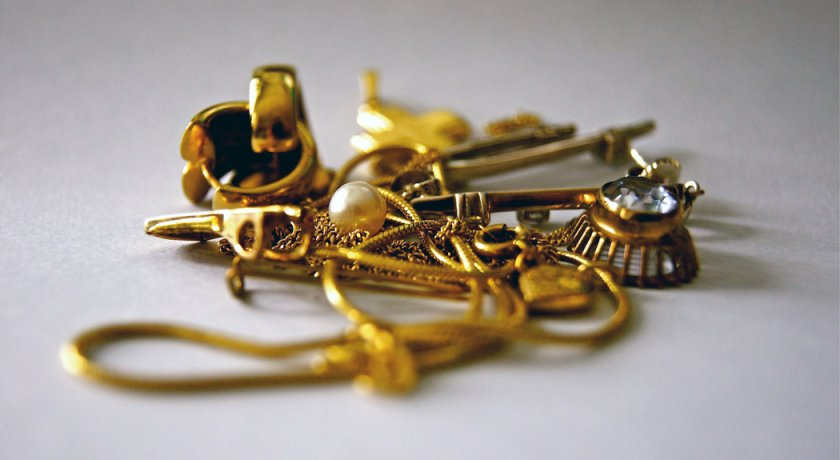 The Difference Between Solid, Filled and Plated Gold Jewellery